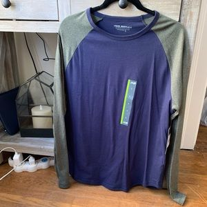 NWT Men's Macy and olive long sleeve size L
